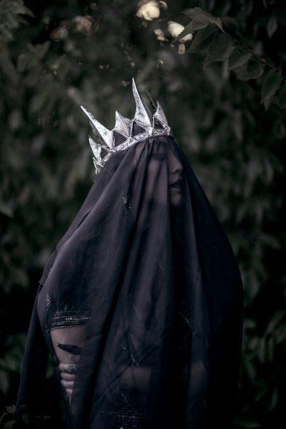 mai-her-maiherphotography-lucy-khang-dark-queen-640x960.jpg
