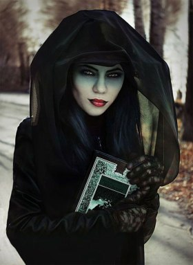 15-Witch-Halloween-Makeup-Ideas-Looks-Trends-2015-1.jpg
